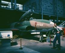 T-33A FT33 in 1988 (Frank posing)kheed t-33 ft34 belg.lm met frank op de foto!-13-5-1988