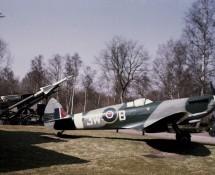 Spitfire (replica) 3W-B (HE)