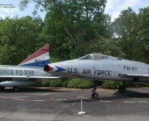 F-100 41871 + F-102 61032 (HE)