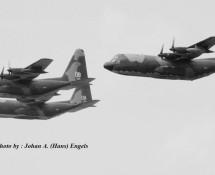c-130 hercules-formatie-usaf-3x-frankfurt-17-5-1969-j-a-engels