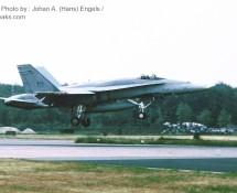 f-18 hornet-canadese-lm-188765 1-cag-twenthe-3-7-1987-j-a-engels