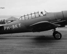 (warbird) north-american-t-6-harvard-ph-bkt-ex-klu-b-135-gilze-rijen-26-8-1972-j-a-engels