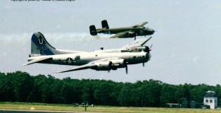 (warbird) boeing-b-17 485784-g-bedf + b-25-mitchell151632-ex-430925-nl9494z-dln-78-j-a-engels