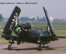 (warbird) douglas-skyraider-126922-usn-g-radr-aviodrome-mus-20-8-2011-j-a-engels