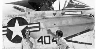 best-hit-meet-a-7-corsair II-usn-istrana-italie-7-1973 met hans-engels-en-frank-klaassen op de foto !