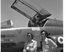 bezoek-aan-best-hit-meet-frank-klaassen-en-hans-engels-bij-f-5-van-de-griekse-lm-istrana-italie-op-17-juli-1973