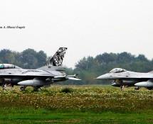 F-16A 692 + 671 Noorse LM Volkel 7-10-2010 J.A.Engels