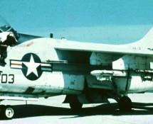 a-7-corsair II-157574-(403)-usn-istrana-7-1973-coll-j.a.engels