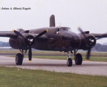 (warbird) north-american-b-25-mitchell-n320sq-nd-v-hd346-mvk-valkenburg-1-6-1990-j-a-engels