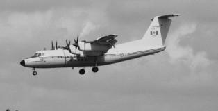 De Havilland-Canada CC-132 DASH 7 CAF-132001 Soesterberg 1-9-1984 J.A.Engels