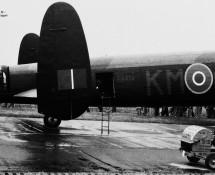 warbirdavro-lancaster-pa474-km-b-florennes-21-6-1975-j-a-engels