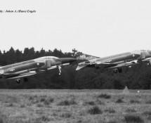 F-4 68-533 en 68-550(F-4E) (HS)USAFE 50TFW Hahn 10-6-1971 J.A.Engels