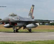 J-002 F-16 323sq KLu (FK)