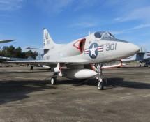 Douglas A-4A skyhawk 137812 301:AJ (FK)