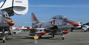 Douglas TA-4J Skyhawk 158094 700:A (FK)