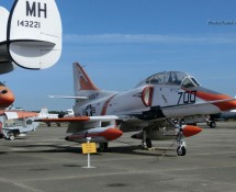 DouglasTA-4J Skyhawk (FK)