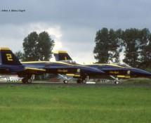 F-18 Hornet USN Blue Angels 1+2 Leeuwarden 16-6-2006 J.A.Engels