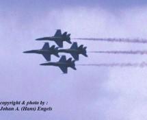F-18 Hornet USN Blue Angels-formatie Leeuwarden 16-6-2006 J.A.Engels