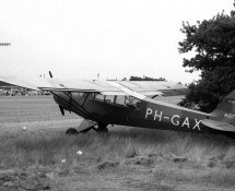 R-157 as PH-GAX at Keiheuvel (FK)
