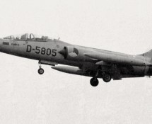 D-5805 at Twente in 1968 (HE)