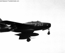 P-262 landing at Eindhoven; in 1971 this aircraft went to the Hellenic Air Force (FK)