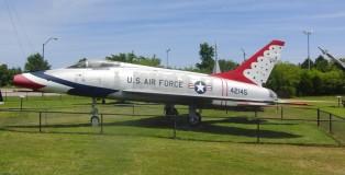 F-100D Super Sabre 54-2145 in Thunderbirds markings (FK)