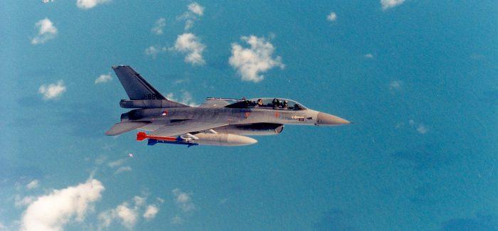 KLu : F-16B